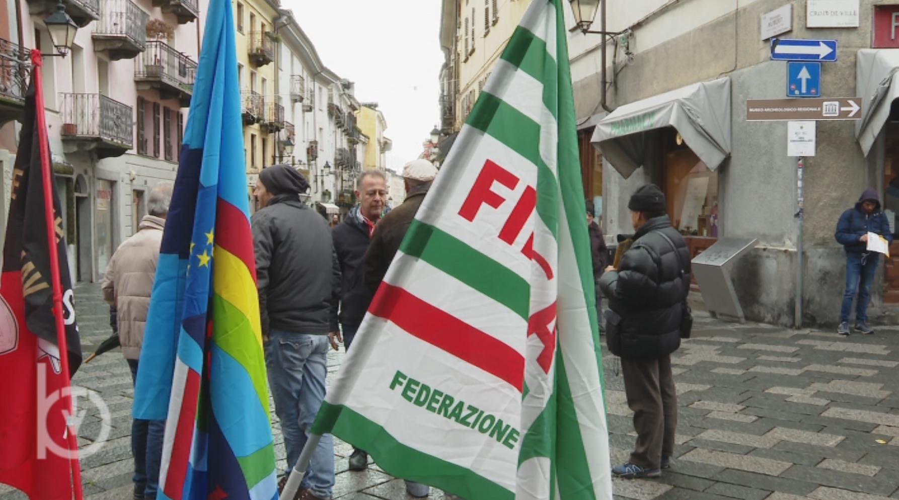 I sindacati in piazza, ad Aosta, per il rilancio dell'edilizia - Bobine.tv